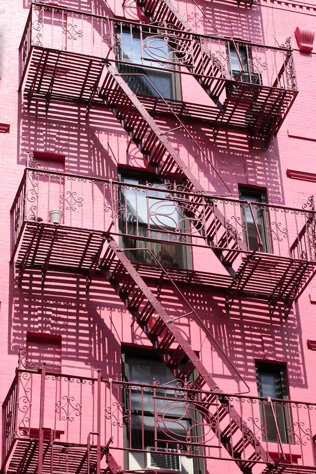 Pretty-Woman-Pink-fire-escape